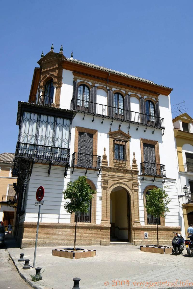 architettura tipica balcone a casa siviglia spagna
