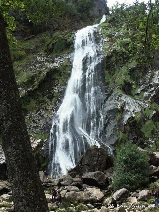 Voile de mariée, cascade de Powerscourt, Irlande 25